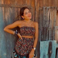 Guapísima @elenafemenia01 con nuestro set Tánger ✨¡Encuéntralo en nuestra tienda y muy pronto online! #mumbaiclothing