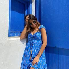 No dejo de soñar con el verano 2021 ✨ ¿Alguien más por aquí esperándolo con los brazos abiertos? Con vestidos como este es imposible no hacerlo.. 🌴🌊🌞#veranomumbai #comingsoon #verano #playa #bohochic #moda #pequeñocomercio #tiendasbonitas